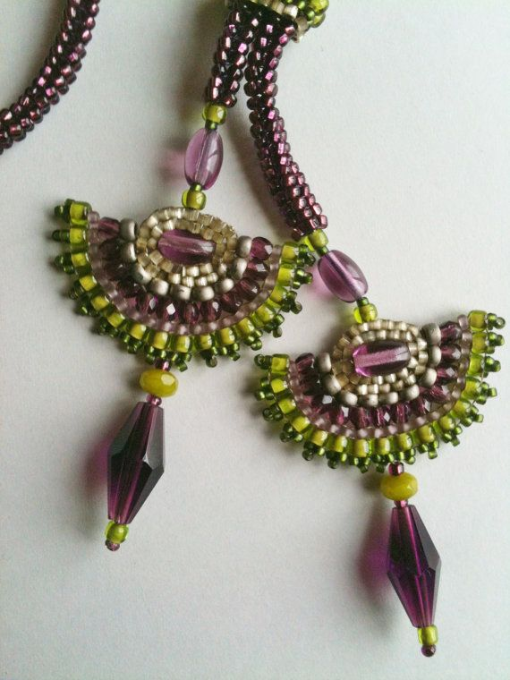 Purple and Green Fan Necklace. Seed bead woven by Jeka Lambert. Glass beads, seed beads.