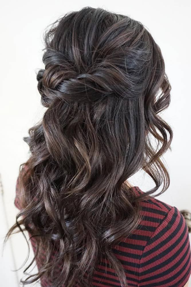 Christmas Party Hairstyles for Wavy Hair ★ See more: http://lovehairstyles.com/christmas-party-hairstyles-for-wavy-hair/