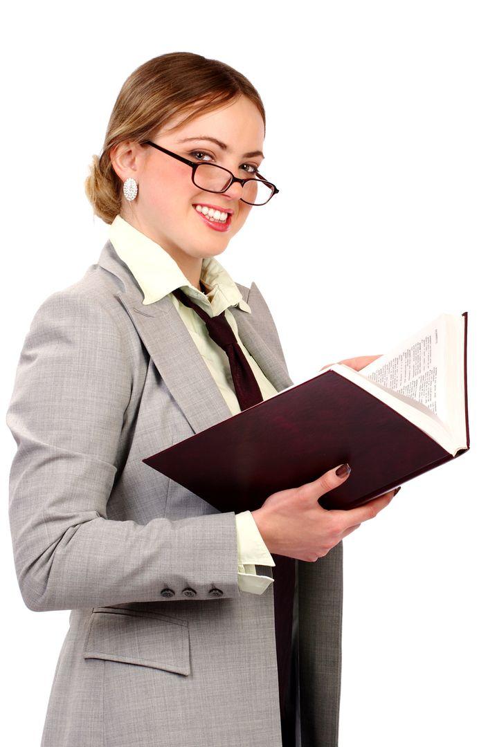 A HR-es kérdezi az új titkárnőt: - És mondja, az előző munkahelyén mennyi volt az évi fizetése? - ??? Nálunk az előző munkahelyemen nem dolgozott egy Évi sem!