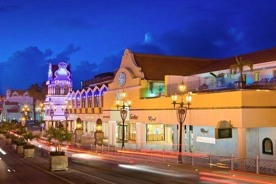 Renaissance Mall & Marketplace