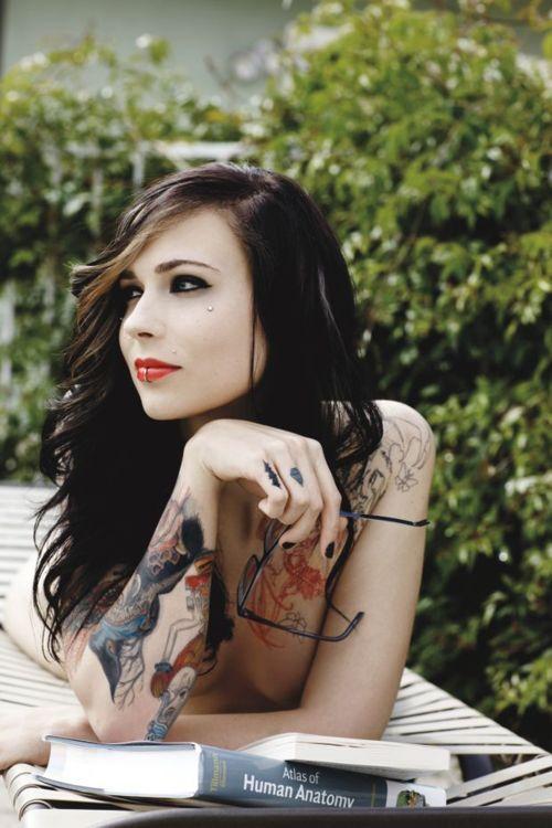 tattoo-cute-naked-girl