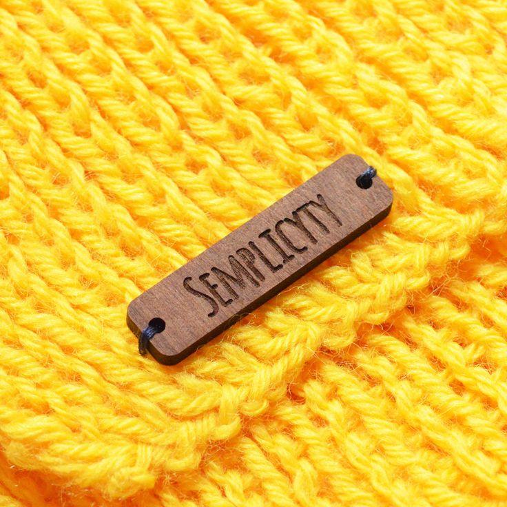 Eigene Kleidung Etiketten | Hölzerne Tags | Hölzerne Etiketten | Kleidung-Tags | Etiketten für handgemachte von JSLaserCraft auf Etsy https://www.etsy.com/de/listing/287411163/eigene-kleidung-etiketten-o-holzerne