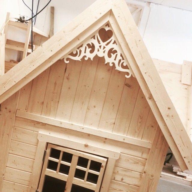 Gullig fin vacker snygg Lekstuga beautiful cute playhouse Lektema