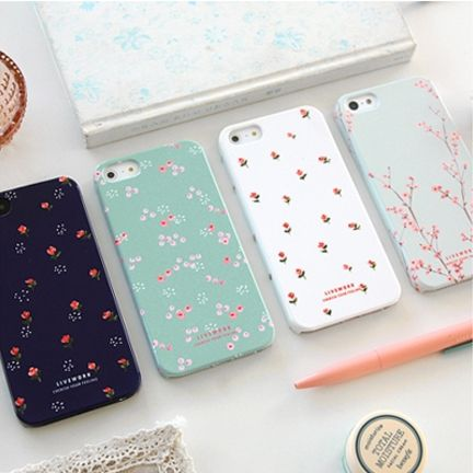 Adorable floral iPhone cases.