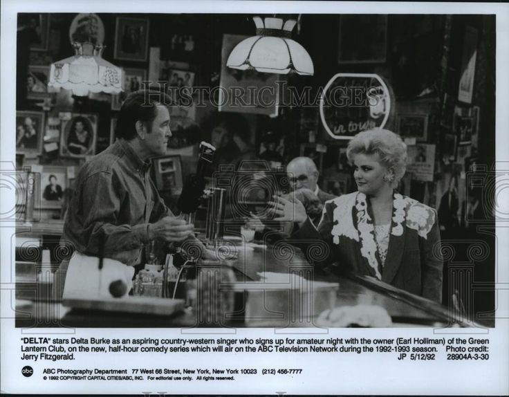 1992 Press Photo Delta Burke and Earl Holliman star in Delta, on ABC.