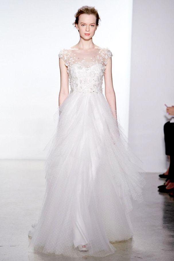 Bridal Week 2014 : la robe de mariée du défilé Christos Celle-ci est pas mal du tout non plus ! :)