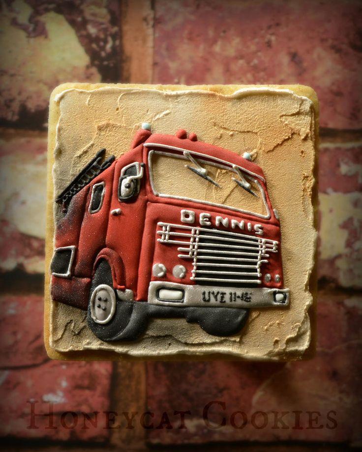 Fire Engine/ Truck    By Lucy (Honeycat Cookies)    http://www.honeycatcookies.blogspot.co.uk