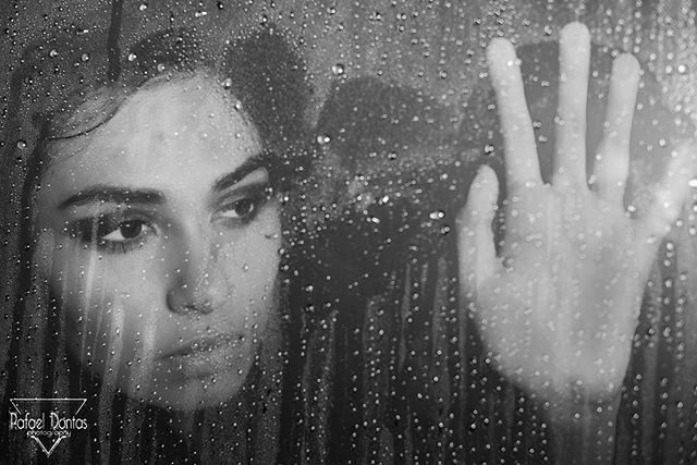 #instamoda #moda #model #photography #portraitpage #aquareladetalentos #umardetalentos #makeup #oceanofotografico #fotografia #fototalent_brasil #portaldefotos #jardimfotografico #fotoxigenio #parededevidro #detrasdasnuvens #jardimdetalentos #vitrinevisual #fotografeumaideia #cars #car #window #innovation #nocolors #photooftheday #instagramming #rain #chuva #janela #drama