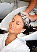 A list of hair beauty salon names, black hair salon, celebrities hair salons