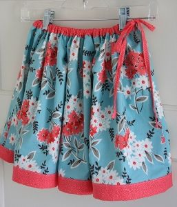 This Twirly Skirt Tutorial is positively the best skirt for twirling in a nice autumn breeze. Make girls skirt patterns like this for every day of the week; It's the perfect skirt for casual days and dressy occasions!