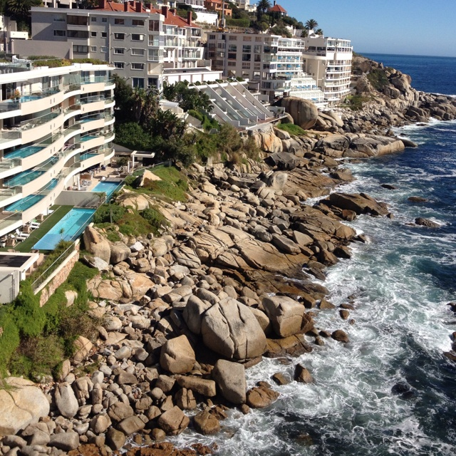 Travelling to South Africa with Via Volunteers opens the door to amazing sights! Bantry Bay, Cape Town.