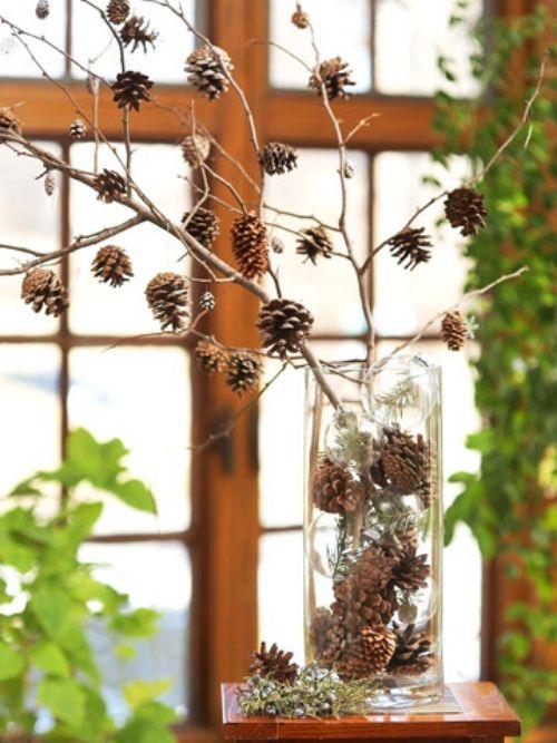 Winter-Deko-Ideen-zu-Hause-kiefernzapfen-glasvase