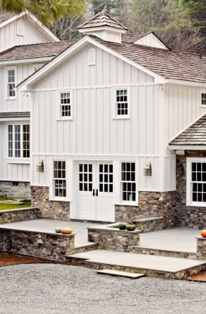Best 25 exterior paint colors for house with stone ideas for Board and batten farmhouse