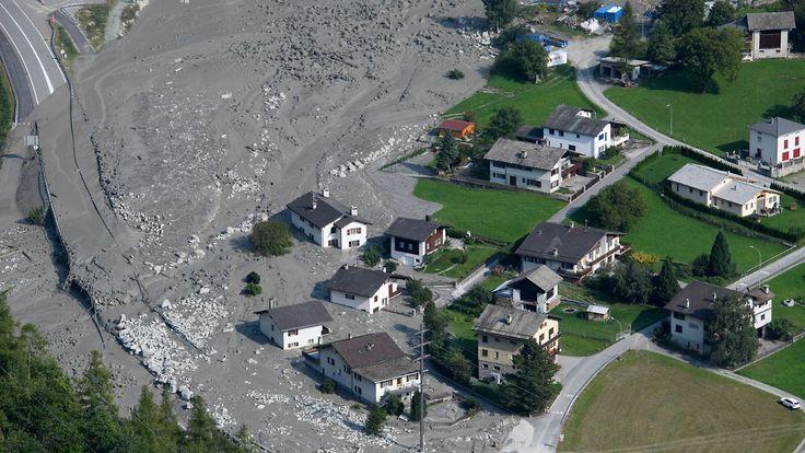 Gefahr in Graubünden nicht gebannt: Neuer Erdrutsch erschwert Suche nach Vermissten