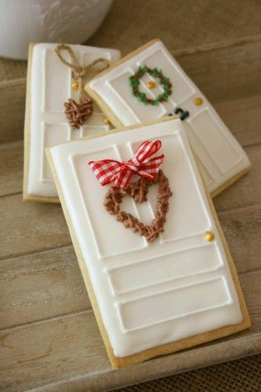 Front Doors! / SO CUTE FOR THE HOLIDAYS BUT IT LOOKS LIKE IT WOULDN'T TASTE SO GOOD!  I'D RATHER HAVE FLAVOR ANY DAY WITH ANY COOKIE!