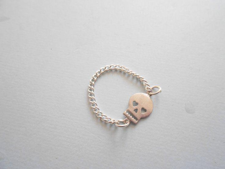 Bague chaîne Tête de Mort - bague chainette tête de mort argenté- bague tête de mort : Bague par esthete-bijoux