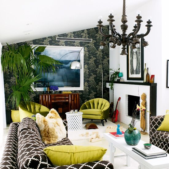 OMG, I love!: Interior Design, Livingrooms, Living Rooms, Chandelier, Decor Ideas, Green, Wallpaper