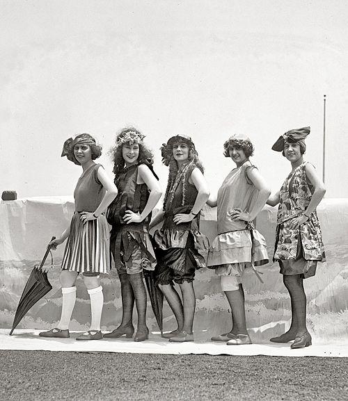 Lansburgh Bathing Girls, 1922. At my age I would like a similar bathing suit!