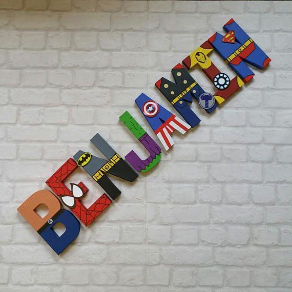 Letras de superhéroe. Papier Mache Letras pintados a mano personalizado. Nombre de niños letra super héroe. HECHO A LA MEDIDA Pintado a mano de papel maché 3D 3D Letras niños nombre Si necesita un número diferente de Letras por favor echa un vistazo a mi otro listado: