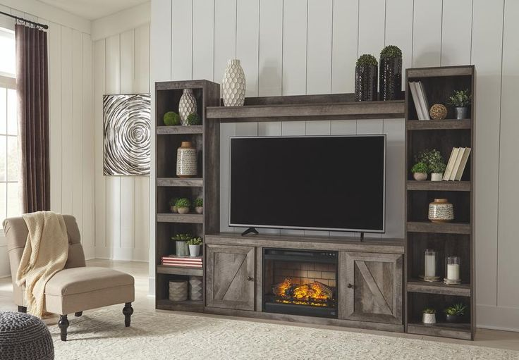 Wynnlow 4Piece Entertainment Center with Electric
