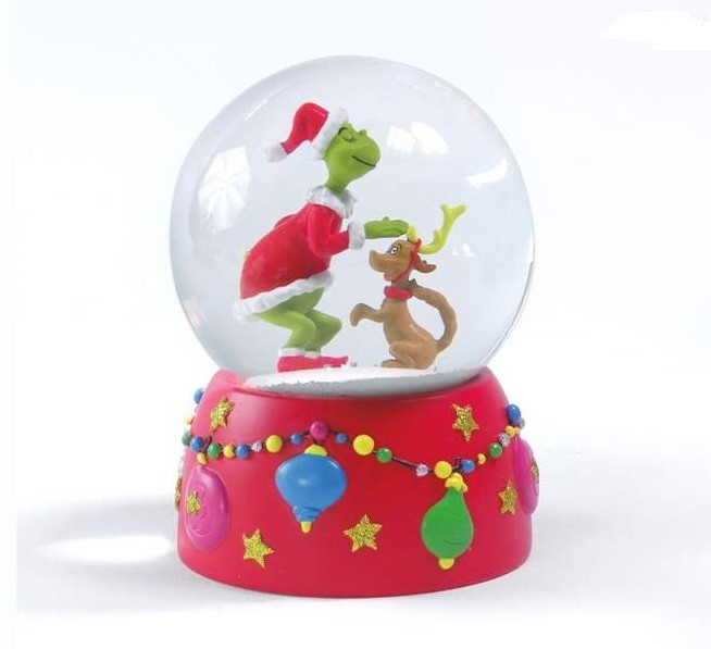 29 best snow globe images on pinterest snow snowball for Water balloon christmas decorations