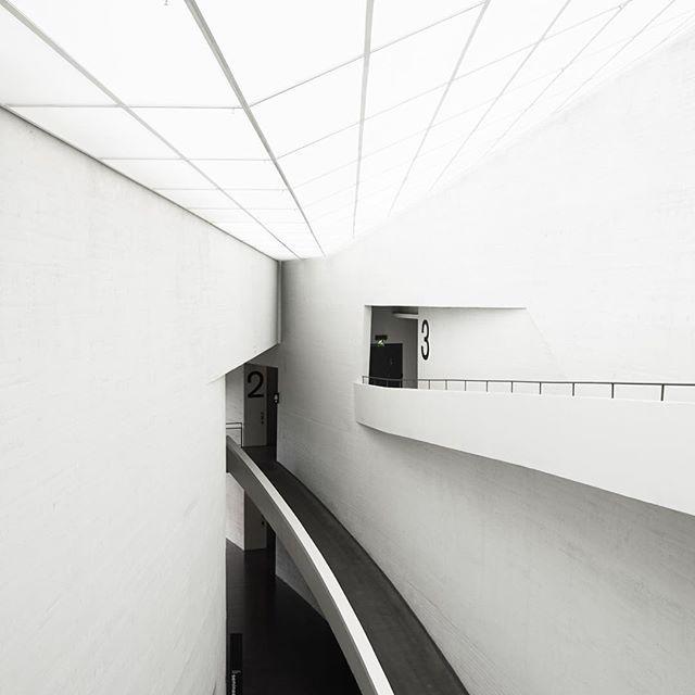 #minimalism #minimalist #monochrome #simplicity #modern #contemporary  #cleanlines