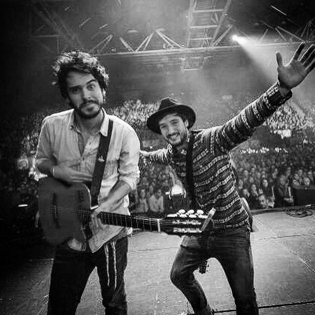 La tournée d'automne se termine ce soir à Lille, avant de repartir demain pour les NRJ Music Awards. Merci encore à tous. Vous rencontrer était un honneur, et nous espérons vous revoir très vite!!! L'attente de la tournée 2015 est vraiment excitante, j'espère que pour vous aussi!!! Gros kiss des Fréro!! <3 @flodelavega