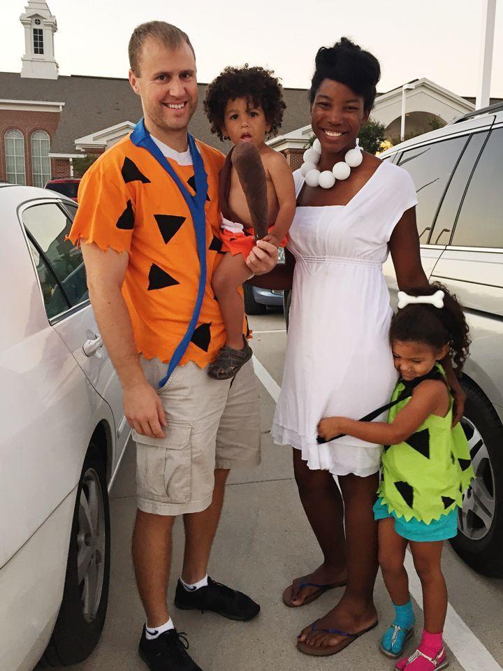 DIY Flintstones Family Halloween Costumes. #Halloweencostumes
