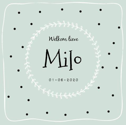 Hip mintgroen geboortekaartje met confetti en sierlijke typografie. #geboortekaartje #jongen #mint #baby #birthannouncement #typografie