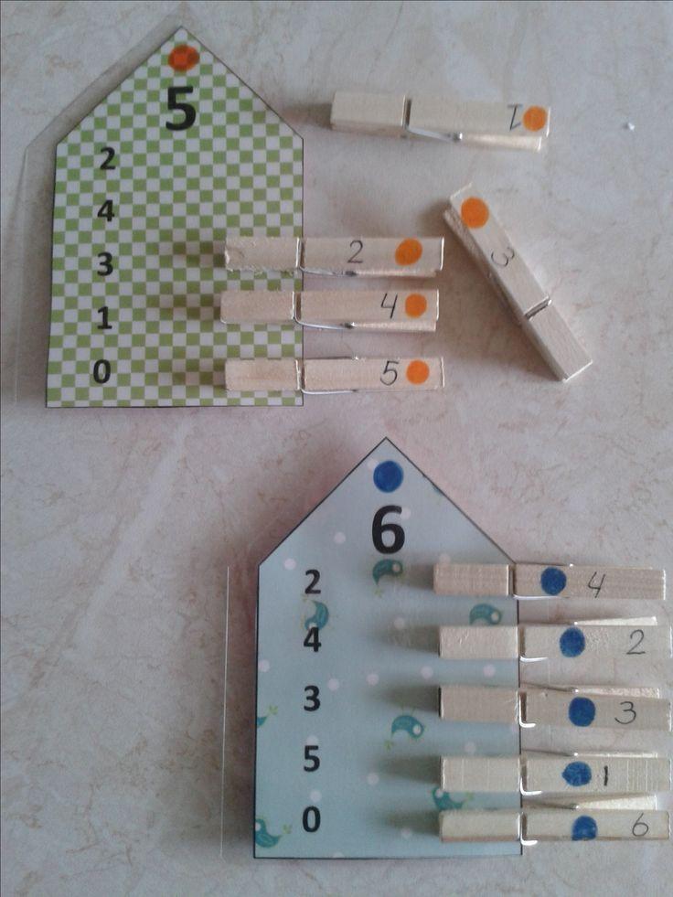 Splitshuizen. Aan de achterkant van de huizen staan de antwoorden(zie andere pin).