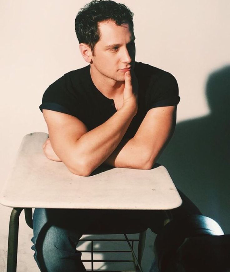 Matt McGorry I'm currently enjoying classes but I'd enjoy them a lot more if Matt McGorry was sitting beside me looking like this, mm. Not enough of his face last season of OITNB, hope to see him more in the next. -  Sara ♥