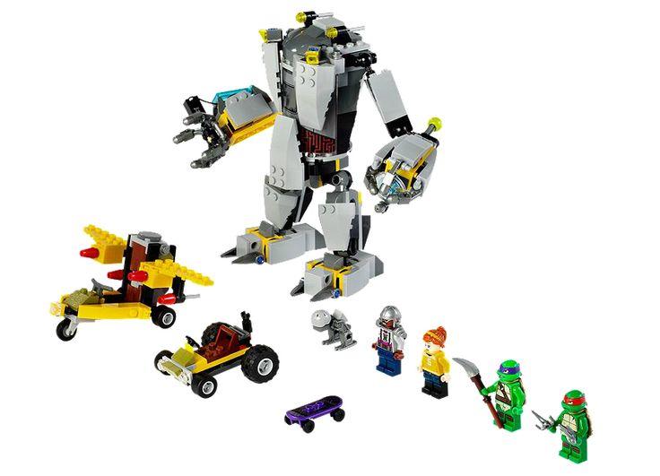 DEZLANTUIREA ROBOTULUI BAXTER (79105) Lupta-te cu monstrul mecanic al lui Baxter Stockman si salveaz-o pe April din aer sau de pe strada cu ajutorul unui go-kart si a unui planor ce au puterea testoaselor !