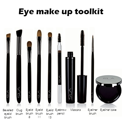 Eye make up toolkit : brushes, mascara, eye liner...