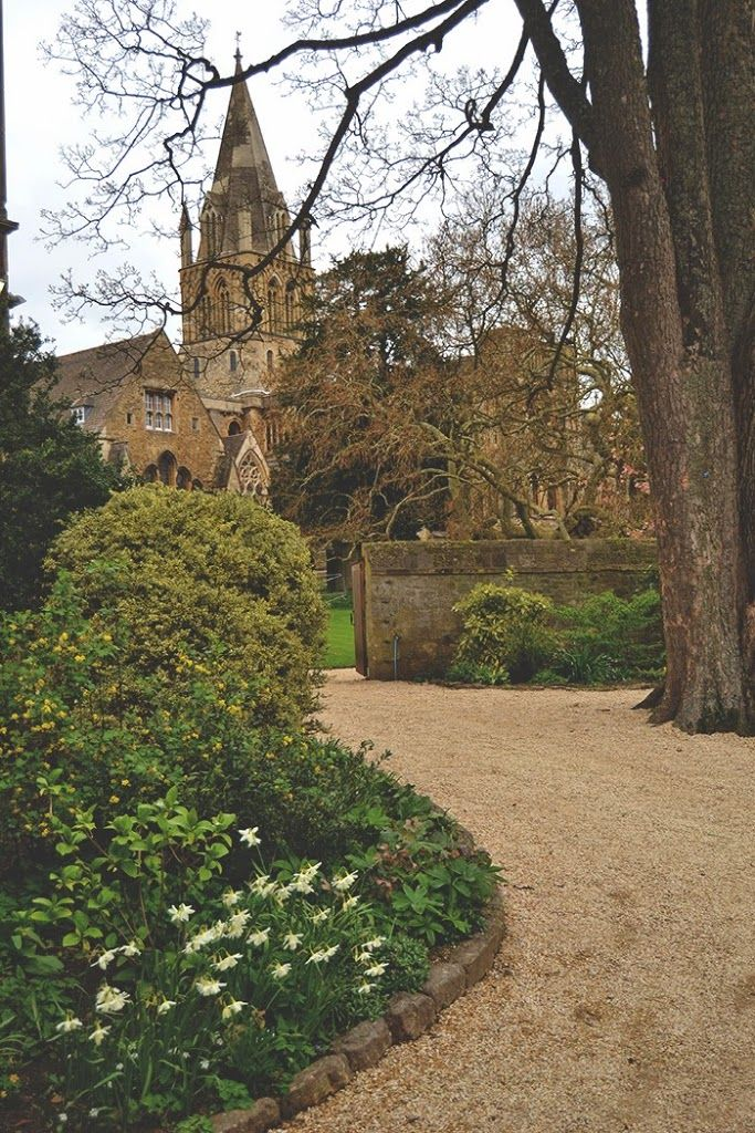 OXFORD CITY GUIDE   a wanderer's path