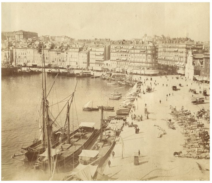 N.D., France, Marseille, Le Quai de la Fraternité et le vieux Port    #Europe #France_Nouveautés #Marseille