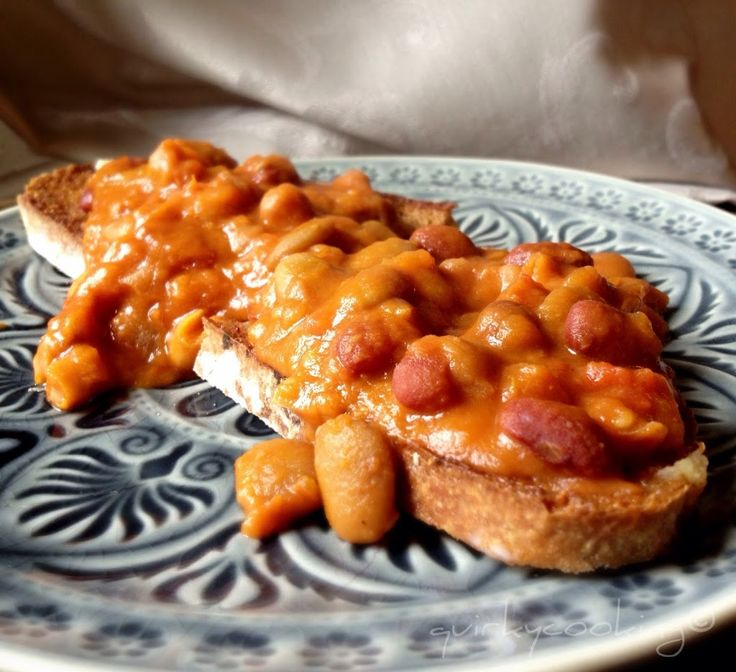 Baked beans on spelt toast  Baked beans on toast makes a great breakfast, lunch, or light dinner…  Here's a yummier, healthier version than the tinned ones, which are high in sugar and salt and who knows what else!  I keep a few tins of cannelini beans (or mixed beans) in the cupboard for quick meals …