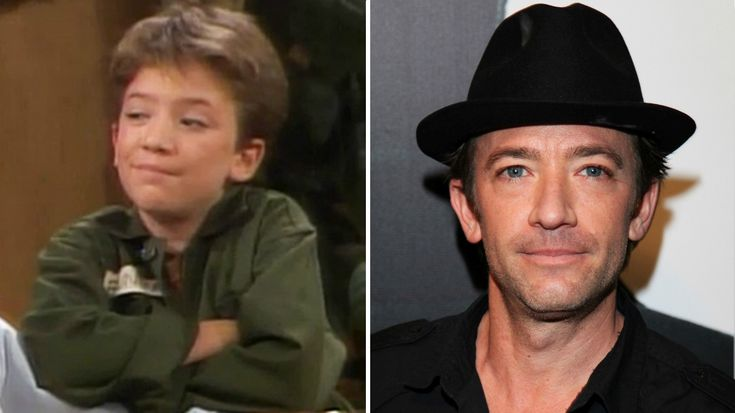 David Faustino played the role of young Bud Bundy when he was just 9 years old. We literally saw him growing up on screen and he impressed us all with his exceptional acting. It was amazing to see such a talented kid and it seemed like he will go on to become an even bigger star. While that did not happen but thankfully, like many 90s child stars like Macaulay Culkin and others, he did not end up becoming a drug addict,