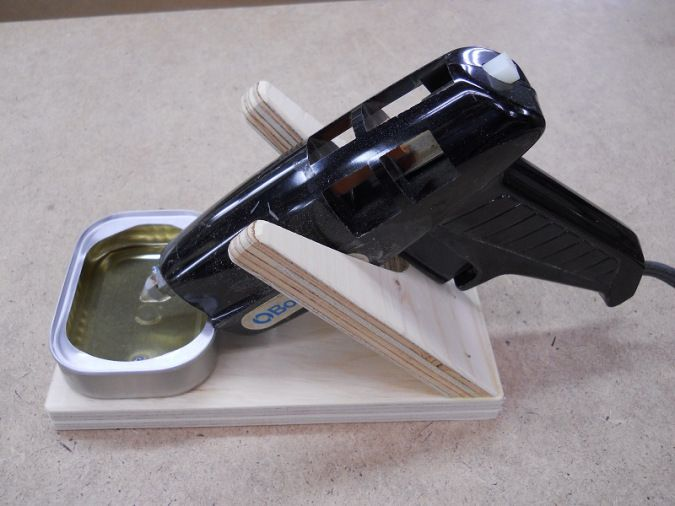 Glue gun support diy tools board pinterest - Diy pistolet a colle ...