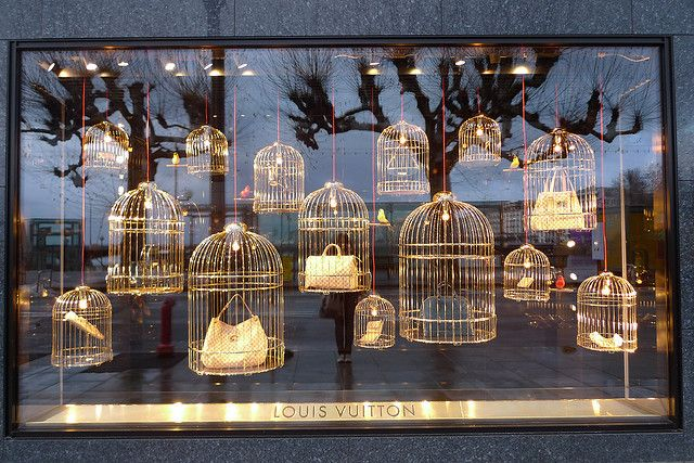 Vitrines Louis Vuitton - Genève, janvier 2010 by JournalDesVitrines.com, via Flickr