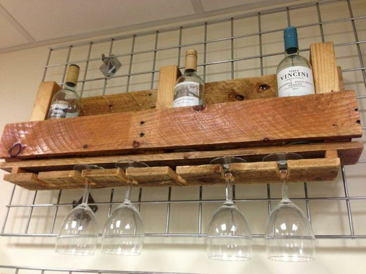 Pallet wood wine rack. emlyncreative.wordpress.com