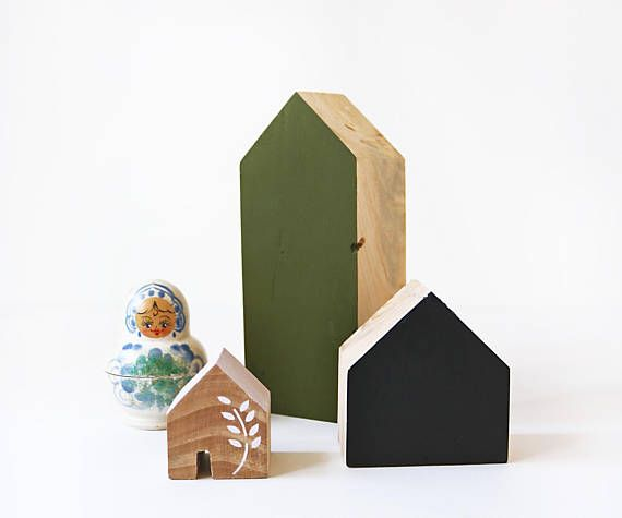 FIVEOEIGHT CO Set of 3 Wooden Houses, green, pink and Black, Natural home decor, minimalist, Scandi Christmas decor, modern, handmade, eco