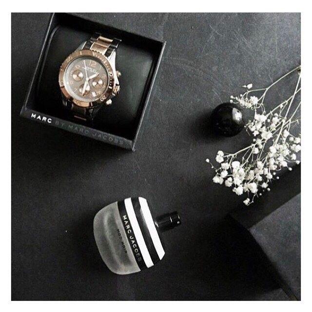 Zestaw z zegarkiem Marc Jacobs u @wpudrze.pl❤️👌🏻✨ #black #marcjacobs #forher  #details  #design #style #origina #unique  #watchlovers #zegarek #zegarki #instawatch #whitewatch #watchaddict #bestwatch #watchesofinstagram #watchmania #butikiswiss