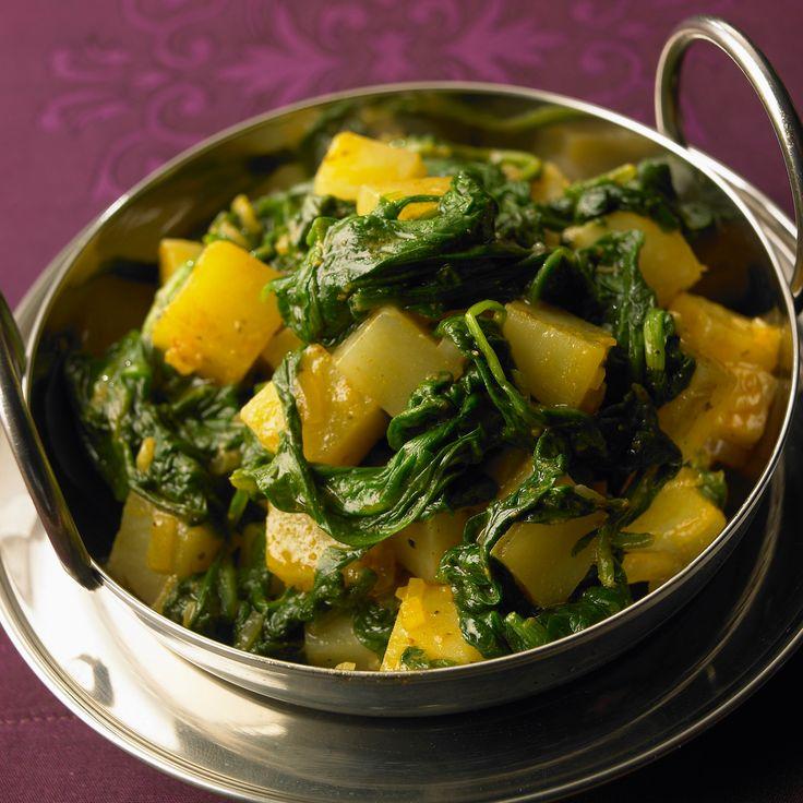 Découvrez la recette Poêlée de navets, pommes de terre et épinards frais sur cuisineactuelle.fr.
