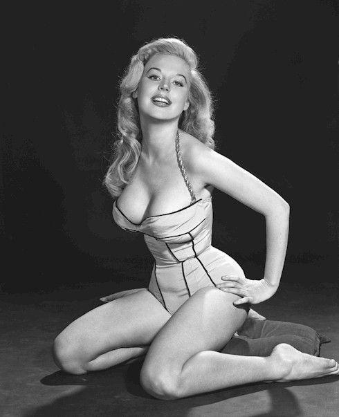 Betty Brosmer  Бетті Бросмер — володарка найшикарнішої фігури 50-х років