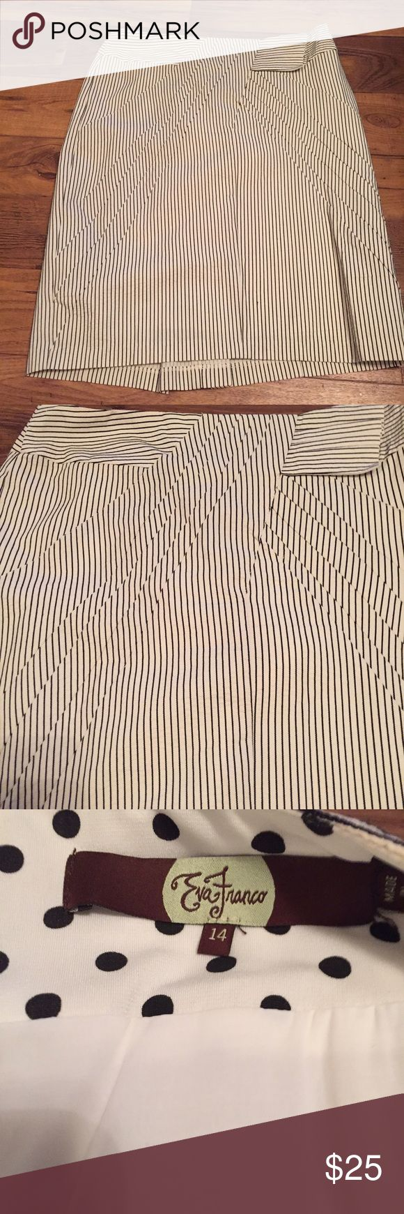 Eva Franco from anthropologie skirt, Sz 14 Excellent condition. Pin stripe with bow like fabric in front. Sz 14 Eva Franco Skirts Pencil