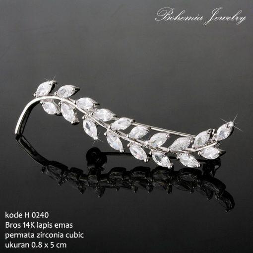 #Bros #Zirconia Lapis #Emas 14K Bentuk Daun. Harga Rp. 285.000,- Free Shipping Jabodetabek. Packing dengan Box Khusus. Limited Stock! Order Sekarang Yuk Sista! #jewelry #perhiasan