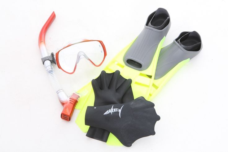 Darkfin snorkel set, enhance your aquatic experience!