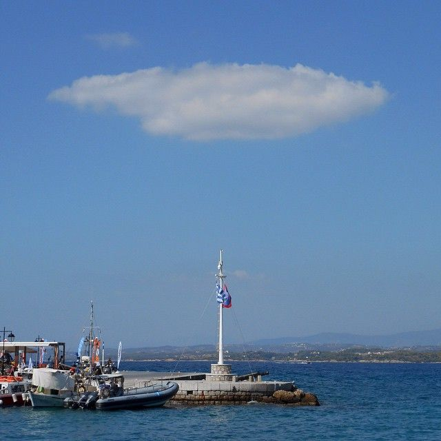 A winter's day at the dock, Spetses