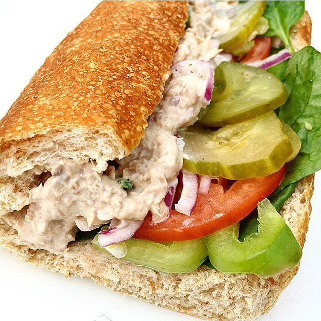 What is it about Subway's tuna that is so damn addicting?!😂 Chip and I are on our way to a Funkadelic concert tonight and decided to grab something on the way for dinner. And I suggested subway😎 Tuna on wheat with spinach, cucumber, green pepper, onion, tomato, extra pickles and oil and vinegar with a bag of cheddar sunchips👅 Today was sooo nice and I'm officially in summer-mode. Happy Saturday everyone😊 #subway #eatfresh #addictingtuna #idoubtthatisahashtag #extrapickles #ilovebreadtho…