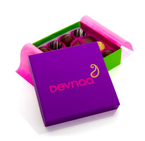Deevna Asian chocolates. Perfect as a mehndi or hen celebration gifts.  These gorgeous chocolates also make great thank you gifts.